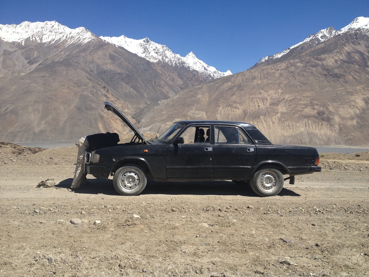 The local idiot who couldn't fix his own car (Tajikistan - Wakhan)