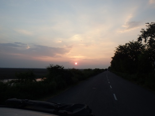 The light slowly disappears on the road to Patna (India)