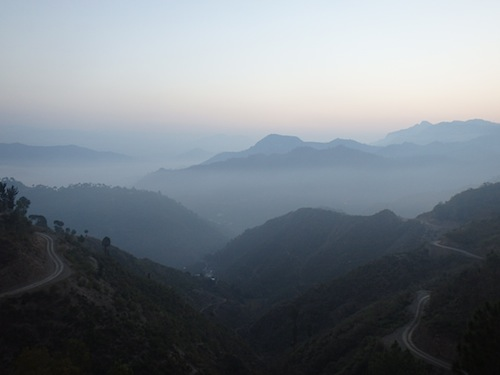 Early morning on the road from Shimla to Manali (Northern India)