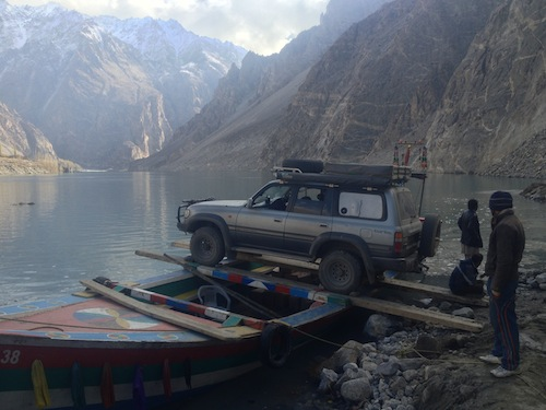 The Karakoram Highway – Wow Wow Wow, 3 Cups of Coffee & 60 Minutes on a Leaky Boat
